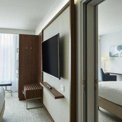 Отель Courtyard by Marriott Luton Airport комната для гостей фото 5