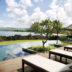 Отель Shanti Maurice Resort & Spa бассейн