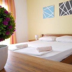 Отель Sun Hostel Budva Черногория, Будва - отзывы, цены и фото номеров - забронировать отель Sun Hostel Budva онлайн комната для гостей фото 4