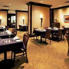 Отель Holiday Inn & Suites Downtown Ottawa Канада, Оттава - отзывы, цены и фото номеров - забронировать отель Holiday Inn & Suites Downtown Ottawa онлайн питание