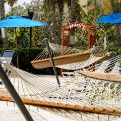 Отель Comfort Suites Seven Mile Beach Каймановы острова, Севен-Майл-Бич - отзывы, цены и фото номеров - забронировать отель Comfort Suites Seven Mile Beach онлайн бассейн фото 2