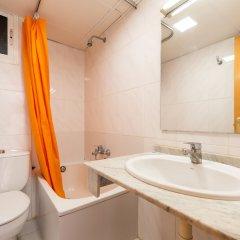 Отель Apartamentos Los Peces Rentalmar Испания, Салоу - 1 отзыв об отеле, цены и фото номеров - забронировать отель Apartamentos Los Peces Rentalmar онлайн ванная фото 2