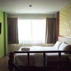 Отель Phuket Ecozy Hotel Таиланд, Пхукет - отзывы, цены и фото номеров - забронировать отель Phuket Ecozy Hotel онлайн комната для гостей фото 5