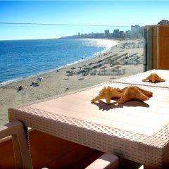 Отель Apartamentos Vegasol Playa A.T. Испания, Фуэнхирола - отзывы, цены и фото номеров - забронировать отель Apartamentos Vegasol Playa A.T. онлайн балкон
