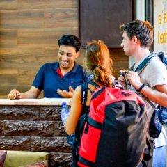 Отель Sabaa Hotel Иордания, Вади-Муса - отзывы, цены и фото номеров - забронировать отель Sabaa Hotel онлайн спортивное сооружение