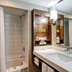 Отель Delta Hotels by Marriott Toronto East Канада, Торонто - отзывы, цены и фото номеров - забронировать отель Delta Hotels by Marriott Toronto East онлайн ванная фото 2