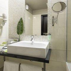 Отель Carat Boutique Hotel Венгрия, Будапешт - 6 отзывов об отеле, цены и фото номеров - забронировать отель Carat Boutique Hotel онлайн ванная фото 2