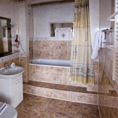 Гостиница Complex Uhnovych Украина, Тернополь - отзывы, цены и фото номеров - забронировать гостиницу Complex Uhnovych онлайн ванная