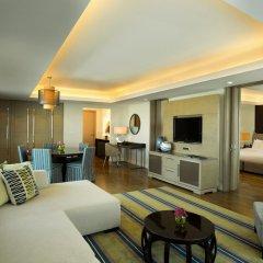Отель Hilton Capital Grand Abu Dhabi комната для гостей