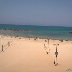 Отель Crowne Plaza Tel Aviv Beach пляж фото 2