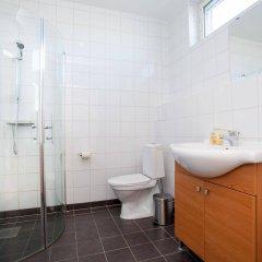 Отель Apartdirect Hammarby Sjostad Стокгольм ванная