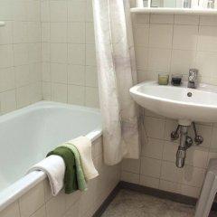 Отель CheckVienna Edelhof Apartments Австрия, Вена - 1 отзыв об отеле, цены и фото номеров - забронировать отель CheckVienna Edelhof Apartments онлайн ванная фото 2