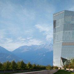 Отель The Ritz-Carlton, Almaty Алматы приотельная территория фото 2