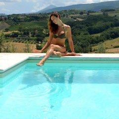 Отель Le Ginestre Arte Vacanze Кьянчиано Терме бассейн