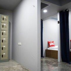 ZEN Hostel Ratchatewi сейф в номере