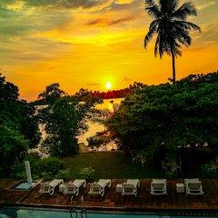 Отель Waterside Bentota Шри-Ланка, Бентота - отзывы, цены и фото номеров - забронировать отель Waterside Bentota онлайн бассейн фото 2