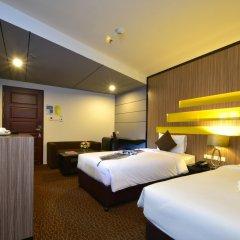 Siam Oriental Hotel сейф в номере