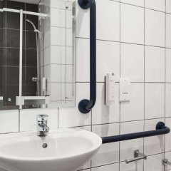 Отель Ramada London Stansted Airport ванная