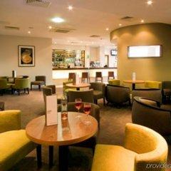 Отель Holiday Inn Stevenage гостиничный бар