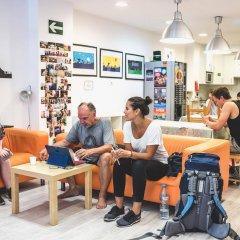 Hostel One Ramblas Барселона гостиничный бар