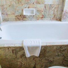 Отель Bangtao Village Resort Таиланд, Пхукет - 1 отзыв об отеле, цены и фото номеров - забронировать отель Bangtao Village Resort онлайн ванная фото 2