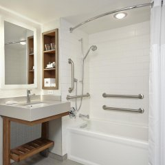Отель New York Hilton Midtown США, Нью-Йорк - отзывы, цены и фото номеров - забронировать отель New York Hilton Midtown онлайн ванная
