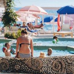 Отель Bougainville Bay Serviced Apartments Албания, Саранда - отзывы, цены и фото номеров - забронировать отель Bougainville Bay Serviced Apartments онлайн бассейн фото 2