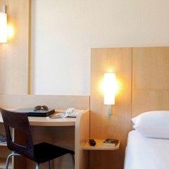 Отель Ibis Marseille Centre Gare Saint Charles удобства в номере