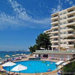 Отель Alua Hawaii Ibiza Испания, Сан-Антони-де-Портмань - отзывы, цены и фото номеров - забронировать отель Alua Hawaii Ibiza онлайн бассейн