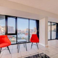 Отель Jockey Club Suite США, Лас-Вегас - отзывы, цены и фото номеров - забронировать отель Jockey Club Suite онлайн балкон