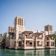 Отель Jumeirah Dar Al Masyaf - Madinat Jumeirah ОАЭ, Дубай - 2 отзыва об отеле, цены и фото номеров - забронировать отель Jumeirah Dar Al Masyaf - Madinat Jumeirah онлайн приотельная территория фото 2