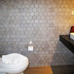 Отель Suvarnabhumi Oriental Resort Бангкок ванная