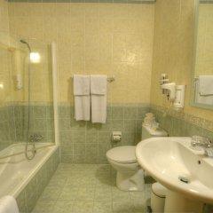 Downtown Hotel ванная