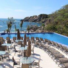 Отель Isla Natura Beach Huatulco бассейн