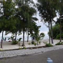 Отель Transit Beach View Hotel Мальдивы, Мале - отзывы, цены и фото номеров - забронировать отель Transit Beach View Hotel онлайн пляж фото 2