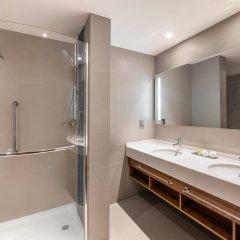 Отель Hilton Garden Inn Dubai Al Jadaf Culture Village ОАЭ, Дубай - 1 отзыв об отеле, цены и фото номеров - забронировать отель Hilton Garden Inn Dubai Al Jadaf Culture Village онлайн ванная