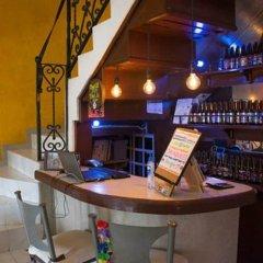 Отель Agavero Hostel Мексика, Канкун - отзывы, цены и фото номеров - забронировать отель Agavero Hostel онлайн гостиничный бар фото 2