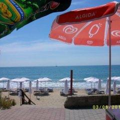 Отель Aura Family Hotel Болгария, Равда - отзывы, цены и фото номеров - забронировать отель Aura Family Hotel онлайн пляж