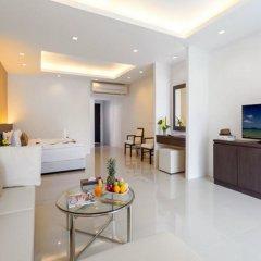 Отель Patong Bay Hill Resort комната для гостей