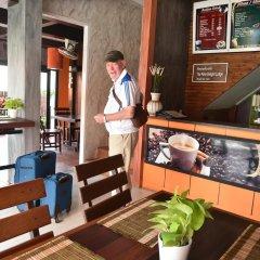 Отель The Palm Delight Lodge гостиничный бар