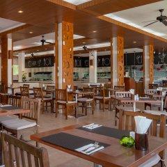 Отель Kamala Beach Resort a Sunprime Resort питание фото 3