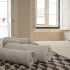 Апартаменты Designer Apartment in one of Lisbon's Trendiest Quarters комната для гостей фото 4