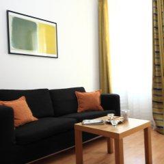 Отель Theatre Residence Apartments Чехия, Прага - 3 отзыва об отеле, цены и фото номеров - забронировать отель Theatre Residence Apartments онлайн комната для гостей