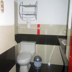 Ari's Hotel III ванная