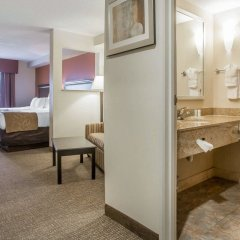 Отель Comfort Suites Atlanta Airport комната для гостей фото 2