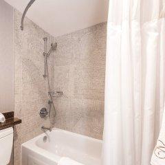 Отель Carmana Plaza Канада, Ванкувер - отзывы, цены и фото номеров - забронировать отель Carmana Plaza онлайн ванная фото 2