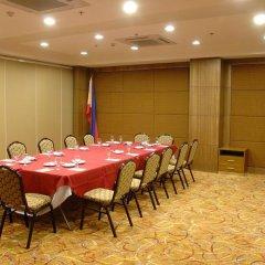 Отель Makati Crown Regency Hotel Филиппины, Макати - отзывы, цены и фото номеров - забронировать отель Makati Crown Regency Hotel онлайн помещение для мероприятий фото 2