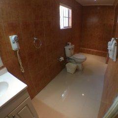 Glistening Waters Hotel ванная