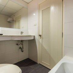 Отель Bella Express Таиланд, Паттайя - 7 отзывов об отеле, цены и фото номеров - забронировать отель Bella Express онлайн ванная фото 2