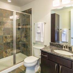 Отель LOFTS at First National ванная